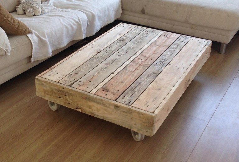 1001 idee de fabrication de meuble en palette - Faire une table basse en palette ...