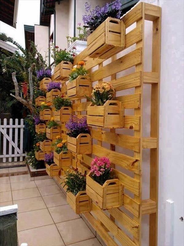 1001 idee de fabrication de meuble en palette - Transformer des palettes en meuble ...