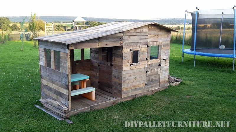 Une maison d enfant en palette - Comment cambrioler une maison ...